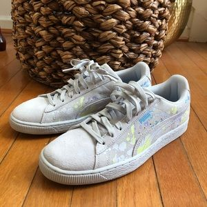 save off 18f9f a472f Men's Classic Suede Pumas on Poshmark